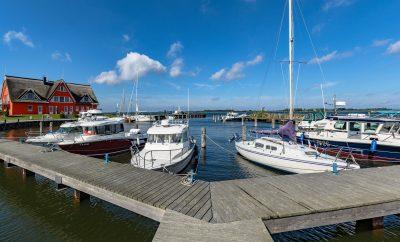 Vieregge: Yachthafen im Hafendorf Vieregge